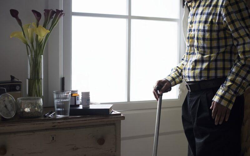أعراض الجنف عند الكبار في السن وفاعلية علاجه