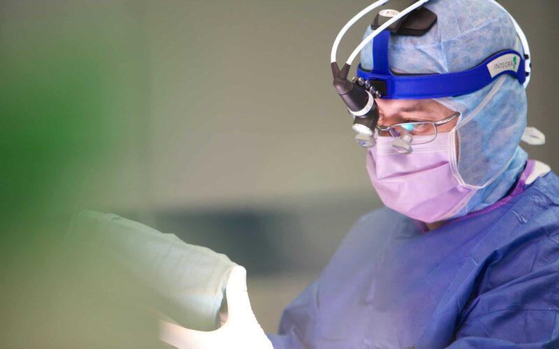 جراحة الجنف | عملية اعوجاج العمود الفقري